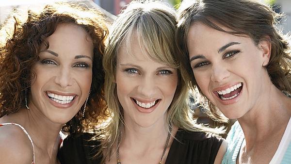 Smile-group-women-41_edited.jpg