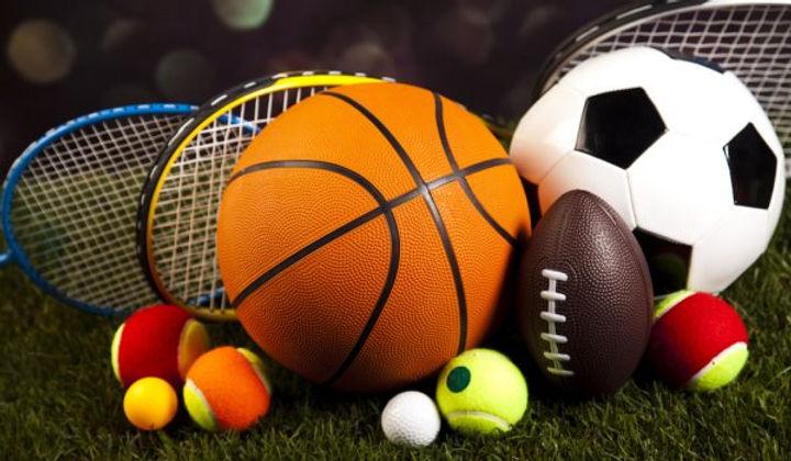 depositphotos_52108211-stock-photo-sport-balls-with-rackets.jpg
