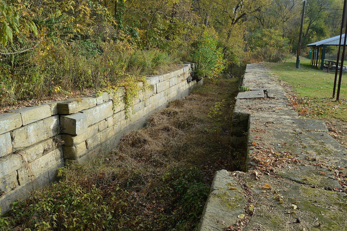 O&E_Canal_Lock_No._30.jpg