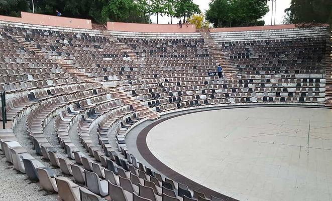 zafferana-etnea-anfiteatro-falcone-borse