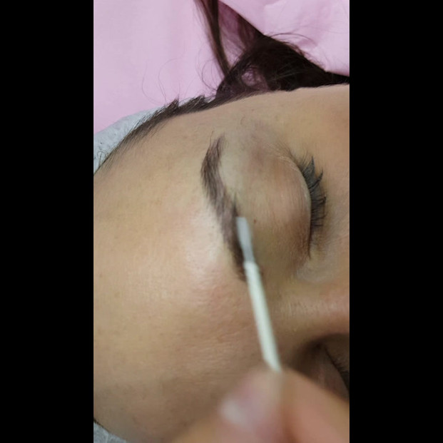 Healed Microbladed Eyebrows after 1 session by El Truchan