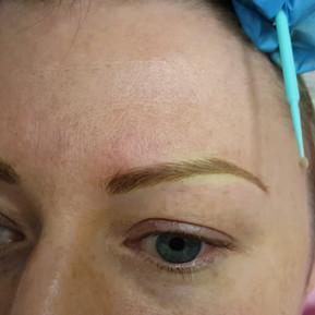 Slim Blonde Eyebrows Microblading by El Truchan