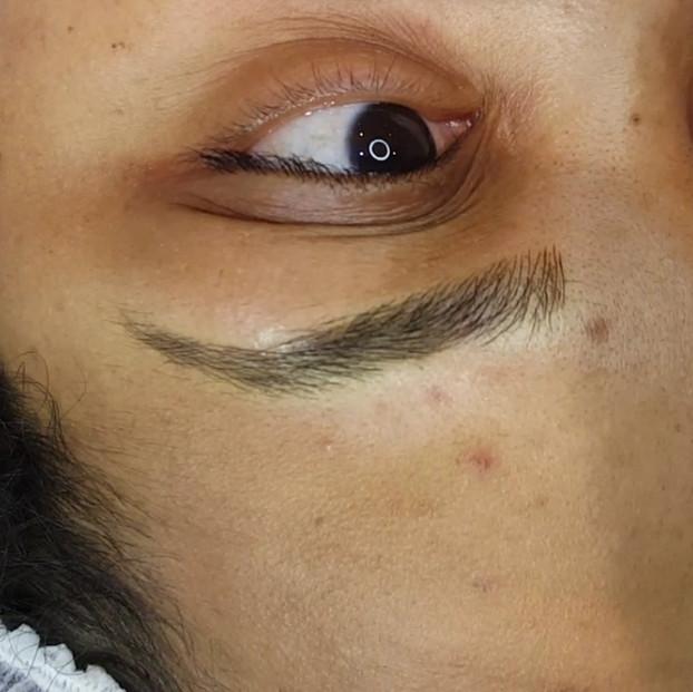 Natural Eyebrows Microblading by El Truc