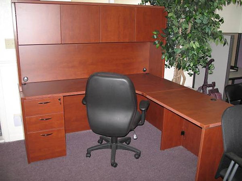 New Corner Desk with Hutch