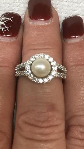 *Round Jewel Surround Ring