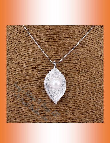 *Leaf W/Pearl Pendant
