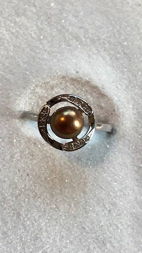 *Circle Ring w/Jewels