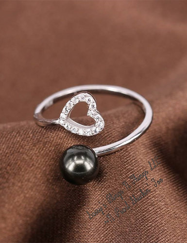 *Sassy's Heart Twist Ring