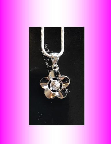 *Flower Pendant w/Center Pearl