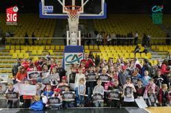 photo de groupe au Rhénus Sport !