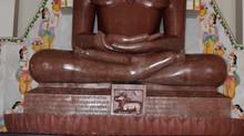 भगवान महावीर के 5 व्रत और 12 वचन जीवन को नई राह के साथ आत्म साक्षात्कार का द्वार खोलते हैं