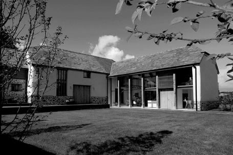 Sympathetic extension to rural agricultural barn