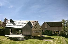 Floodplain house in historic conservation setting in Devon
