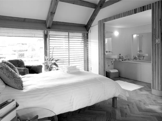 Contemporary ensuite bedroom interior design