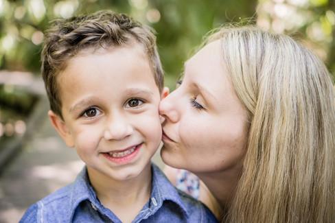 Tomáško a mamička Yena studio rodinné fotografie