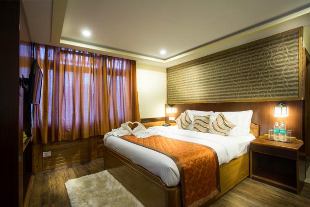 Suite Room (3).jpg