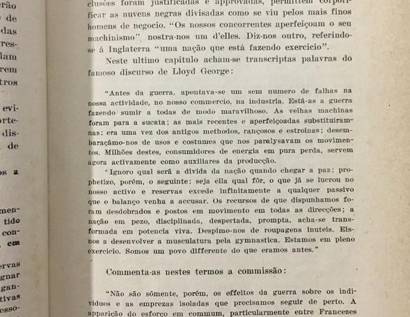Exemplo de material do acervo da biblioteca do IE