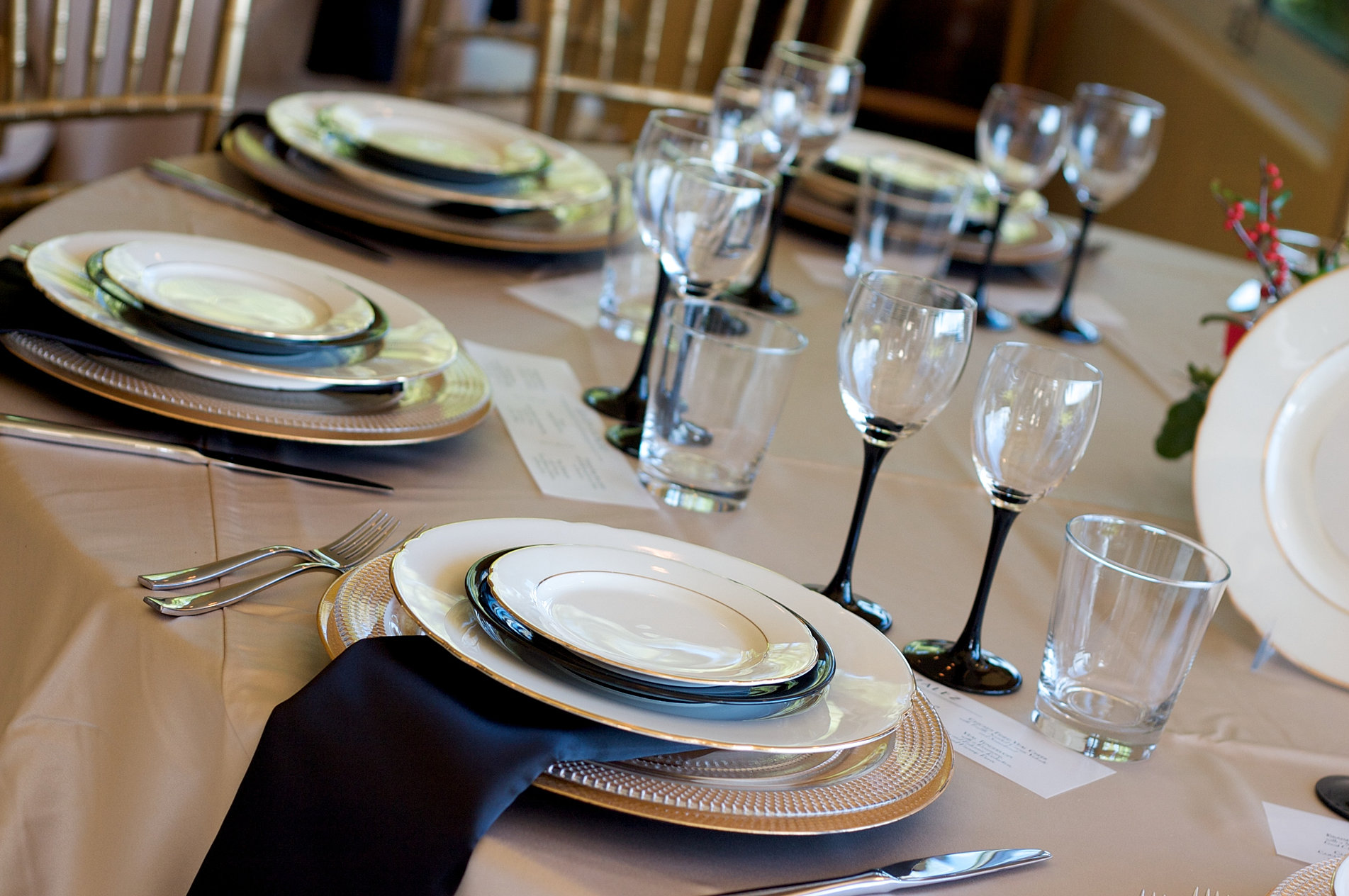 Restaurant table setup - Dining Sets
