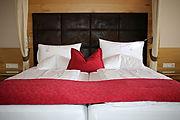 hotel-rooms-4743179.jpg
