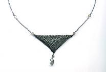 halssieraad triangle amulet