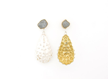 Jewelry pieces by Margo Nelissen to JOYABarcelona