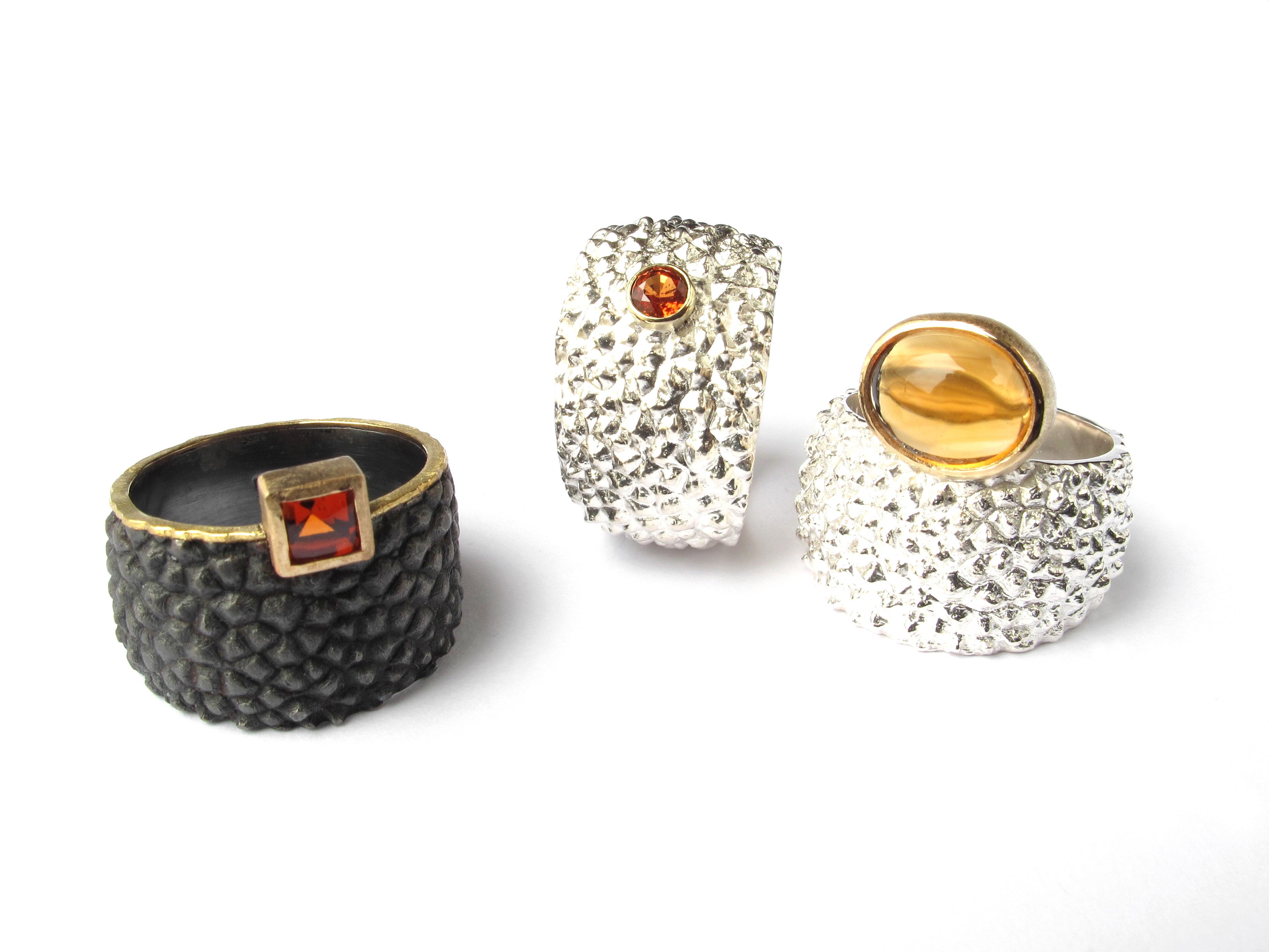 3 rings precious stones