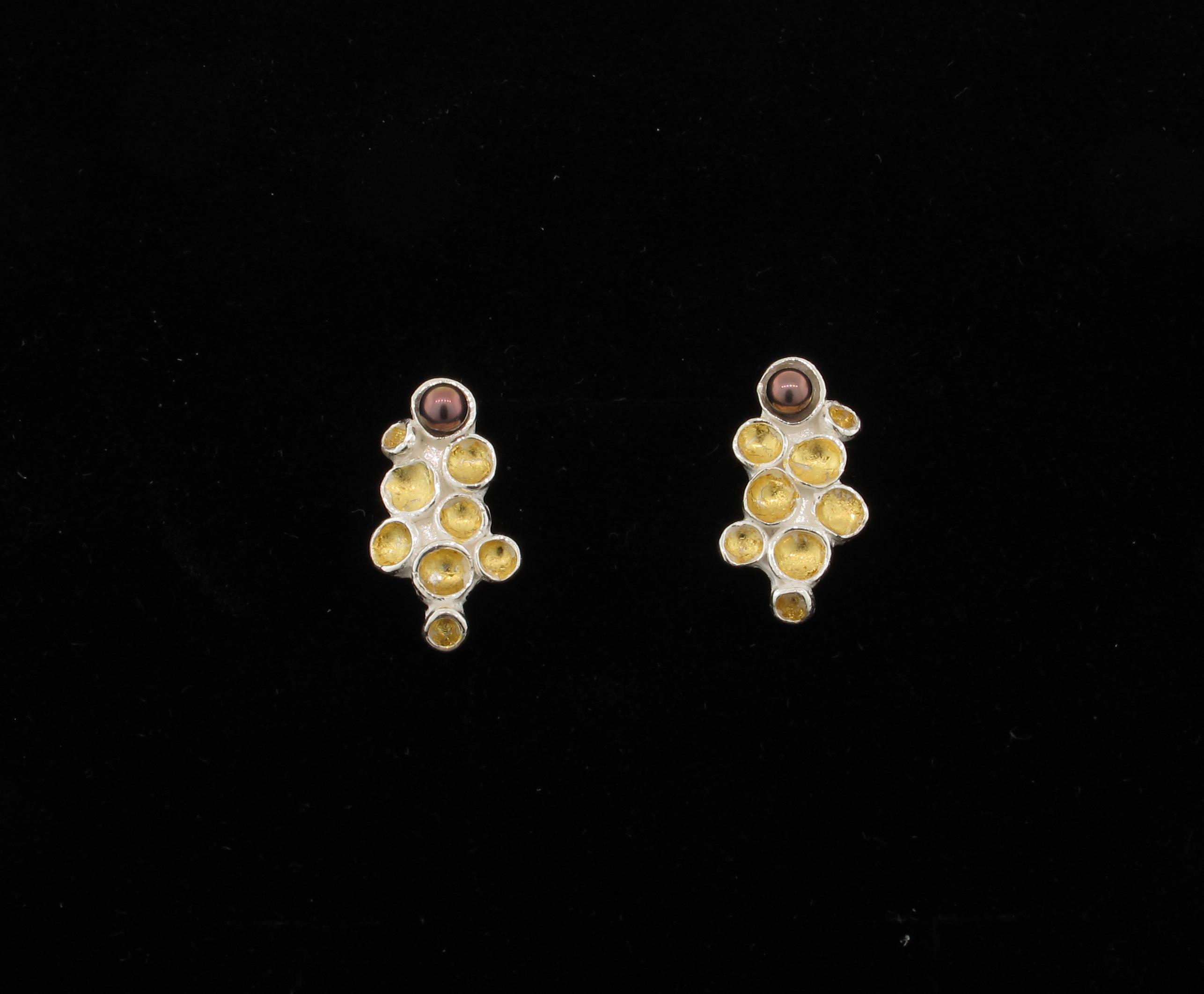 earrings goldleaf pearl cups