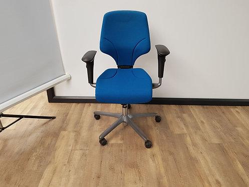 Bureaustoel Giroflex 64 blauw