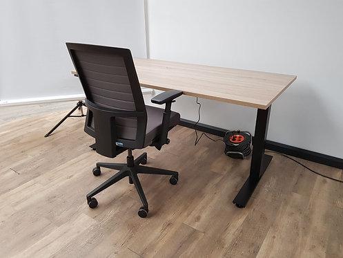 Zit/sta bureau elektrisch verstelbaar