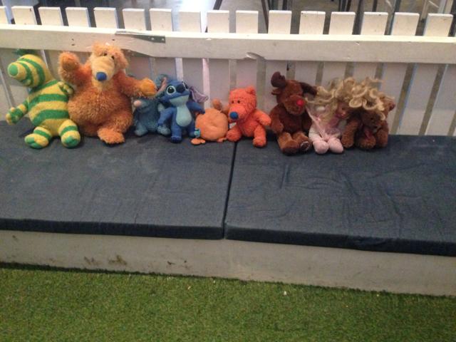 3 Little Pigs, Gisborne