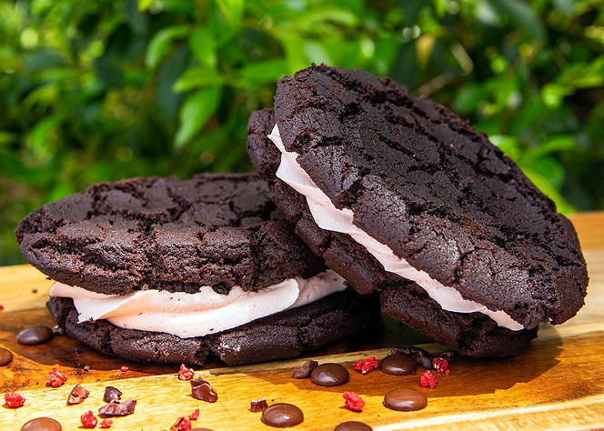 Monster-cookies-with-cream.jpg