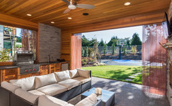 Beautiful covered patio with barbecue, f
