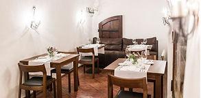 Gastronominės patirtys: kurie Vilniaus restoranai siūlo degustacines vakarienes?