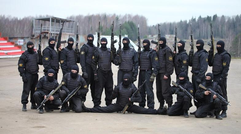 """""""Rosgvardija"""" treniruojasi vykdyti kovines operacijas Baltarusijoje"""