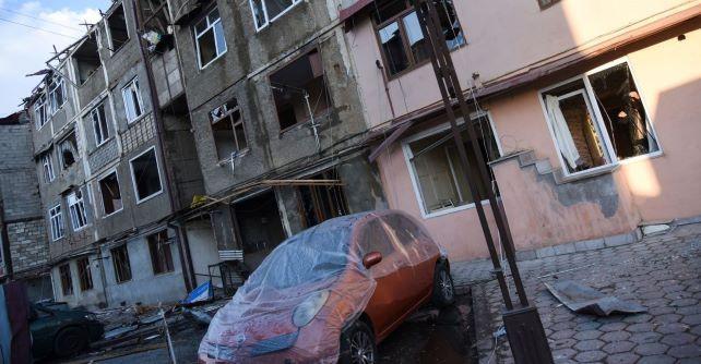 Karas Kalnų Karabache – kasetinėmis bombomis per miestus