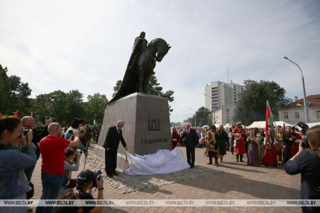 Istorijos dalybos – Lietuva, Baltarusija. Kur du pešasi, trečias laimi?