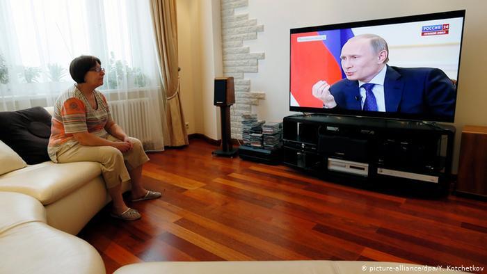 «Колхозник», «прихвостни» и «младшие братья». Как пропаганда Кремля подаёт ситуацию в Беларуси
