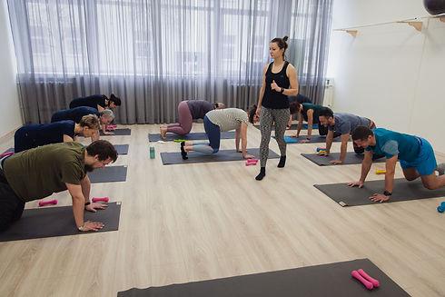 Raminta Moves sveiko judesio studija, grupinės mankštos, individualios sporto treniruotės, sveika nugara