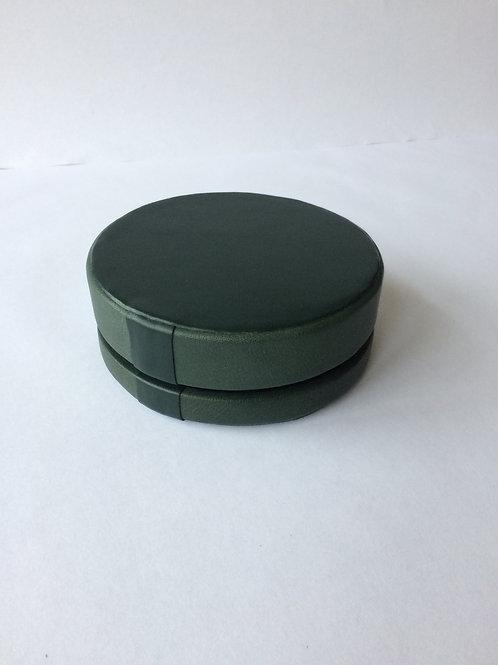 Aušra Petroškienė. Papuošalų dėžutė. Oda. 6,5x16,5 cm.