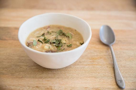 Pupelių sriuba su džiovintomis slyvomis