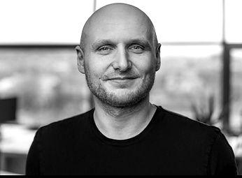 Tom Okman Speaker in Startupfair Recharg