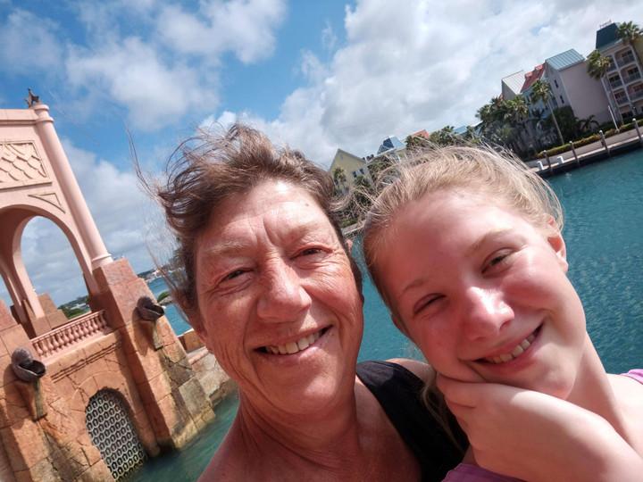 Chloe and Mom Julie take a selfie.
