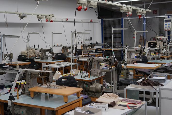 Picard: Ein Besuch in der Kunstschmiede des traditionellen Feintäschnerhandwerks