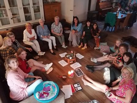 Mantra zingen workshop aan huis.jpg