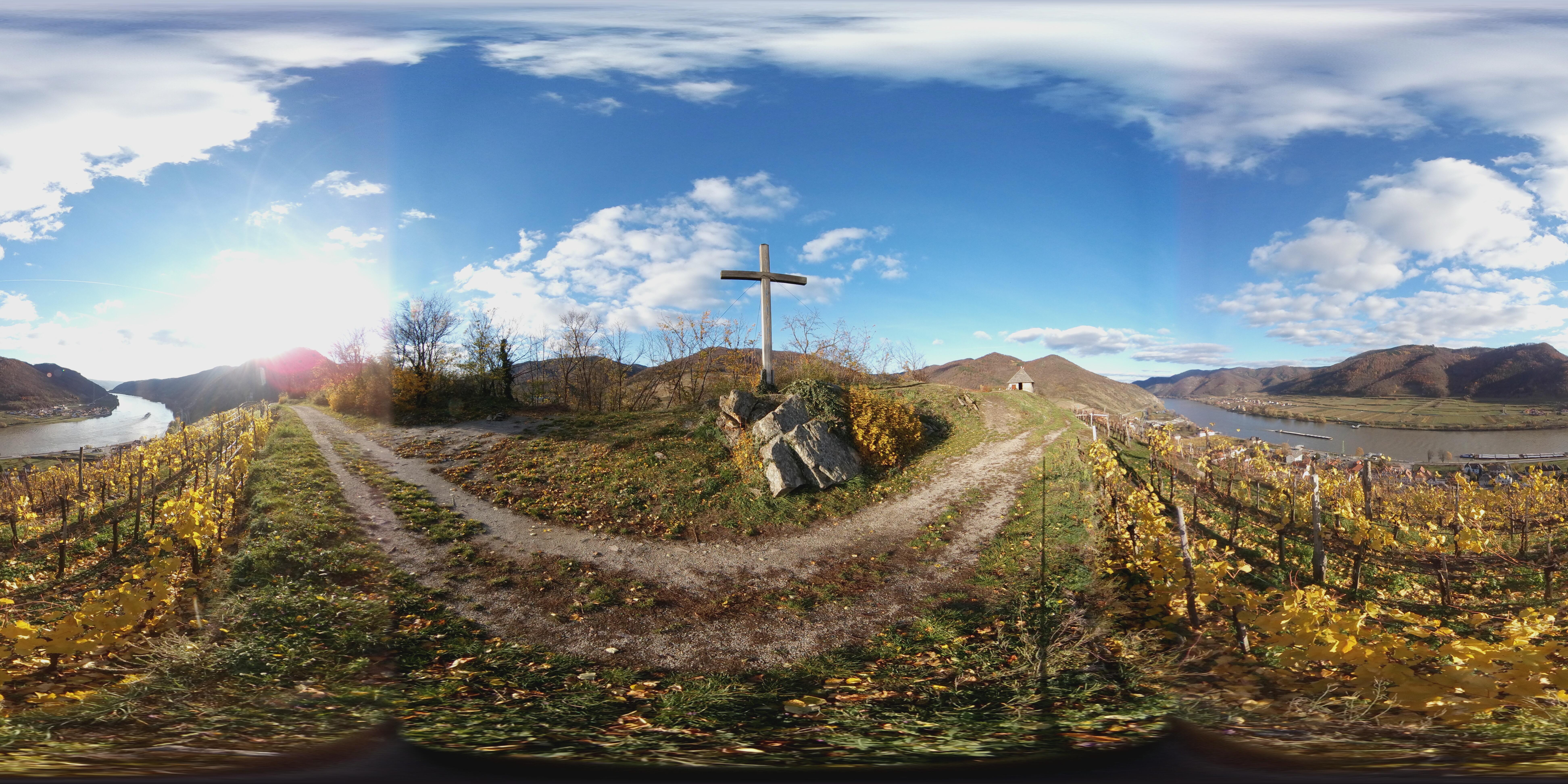 Cross on 1000 Bucket Hill