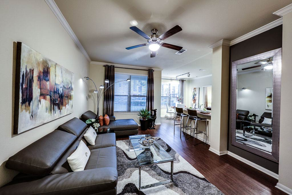 the-oaks-at-northpointe-living-room