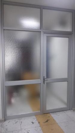 Puertas de Aluminio Mate