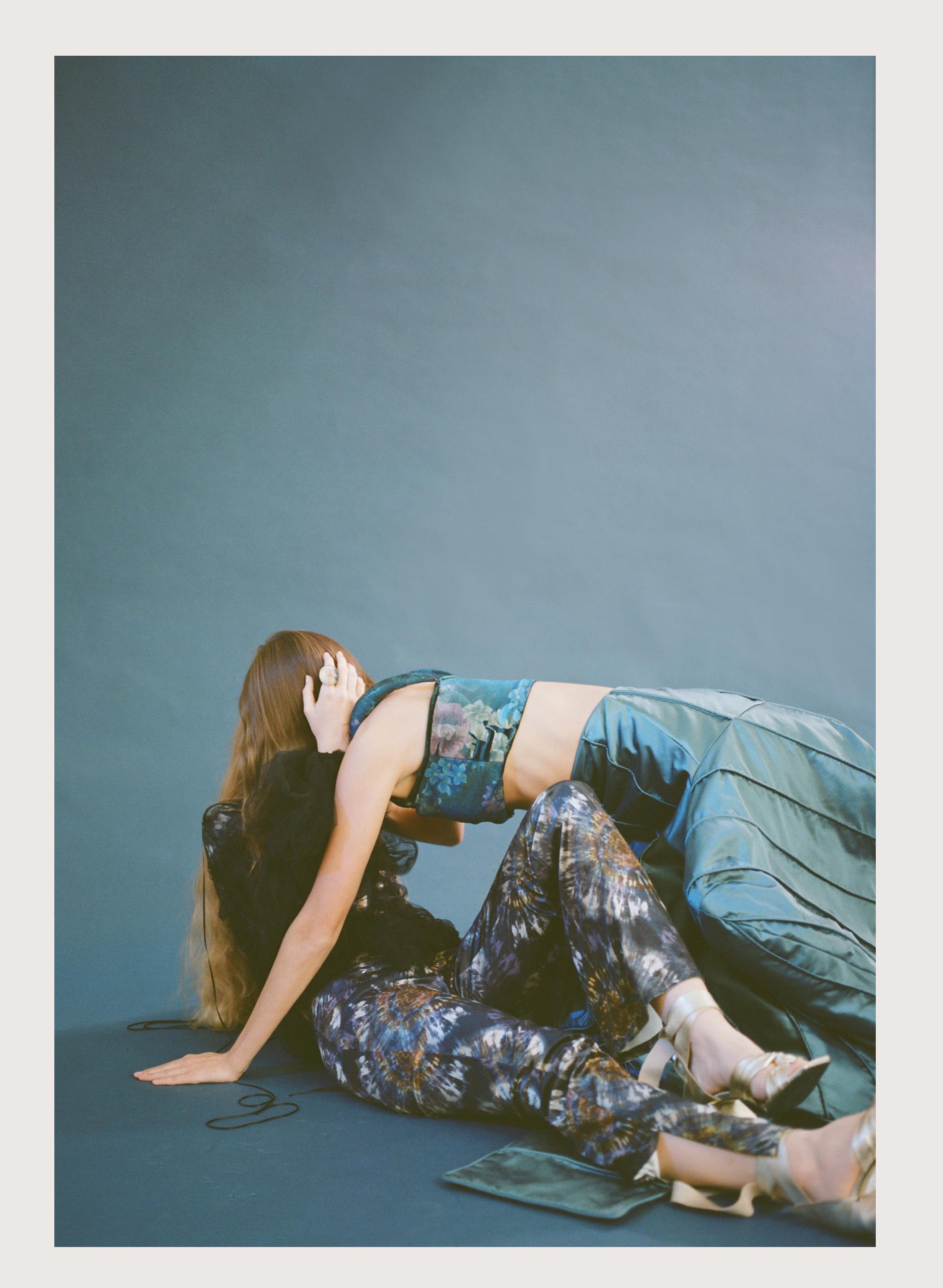 polaroid blue 3