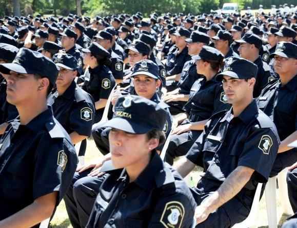 policias-egresados (1).jpg