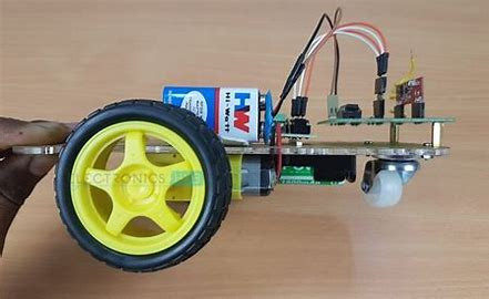 DTMF CONTROLLED ROBOT WITHOT MICROCONTROLLER